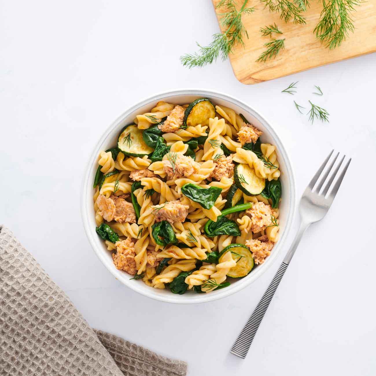 Salmon Ready Pasta with Spinach & Zucchini using Vetta Ready Pasta Classic Spirals